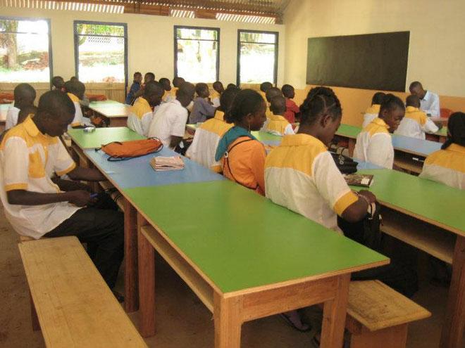 Nově postavená škola neziskovkou SIRIRI ve Středoafrické republice
